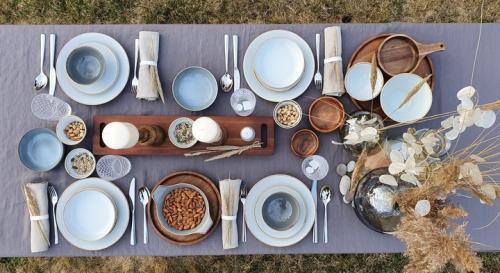Idejas pavasarīgam galda noformējumam